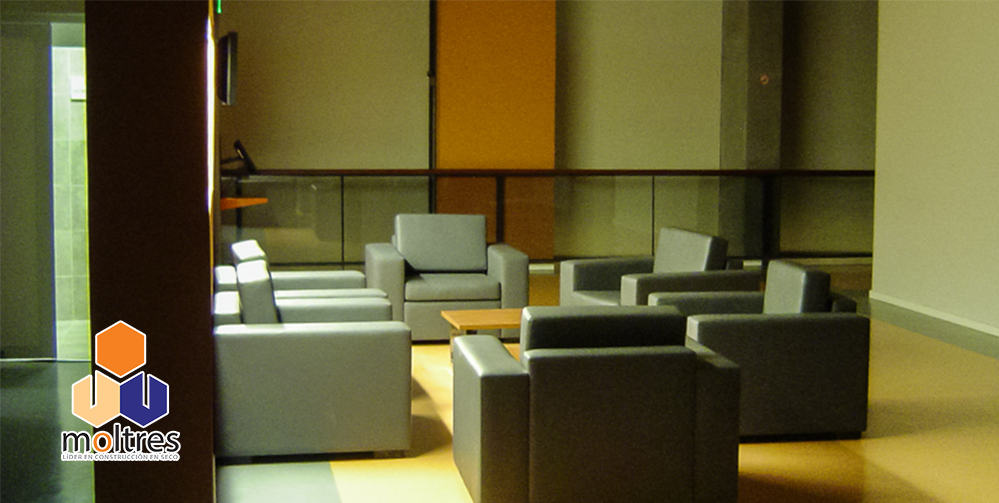 pisos-vinilicos-de-alto-transito-para-instituciones-educativas-001