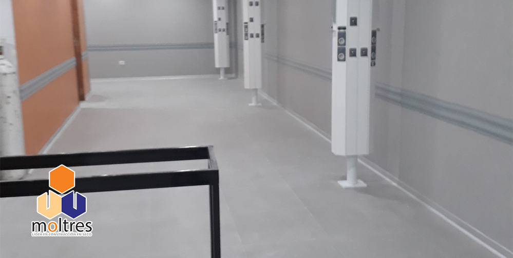 pisos-vinilicos-alto-transito-para-hospitales-003